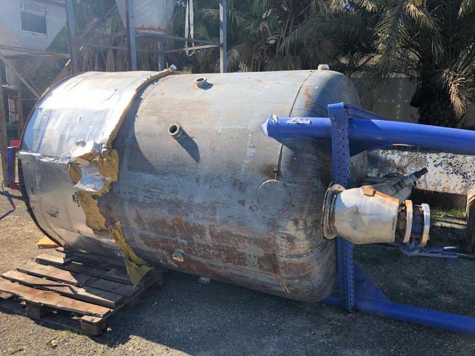 GT-2826 Silo circular de 8.000 litros con removedor y sinfín de descarga.