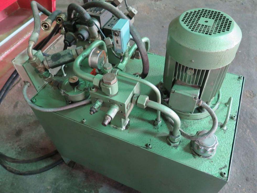 GT-2841 Grupo hidráulico de 4 KW (5,5cv) con 3 electroválvulas y regulador de presión.
