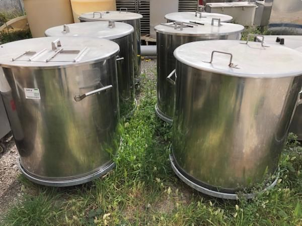 Depósitos con ruedas en acero inoxidable 316 acabado brillo espejo capacidad 500 litros
