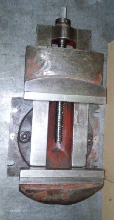 Mordaza mecánica giratoria