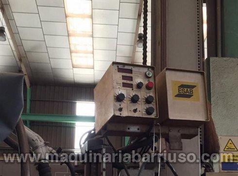 Columna de soldadura  ESAB Mod.MKR 300 de 5000 x 5000 equipada con generado ESAB LAE-1250.Con desplazamiento sobre carril de 9 ms y marcado CE