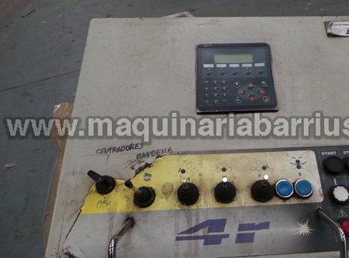 Cilindro DAVI de cuatro rodillos de 3050 x 54/45 equipado con soporte central y mesa de alimentación lateral