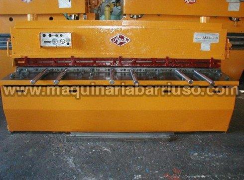 Cizalla AJIAL hidraulica mod. 425 de 2500 x 4 mm.