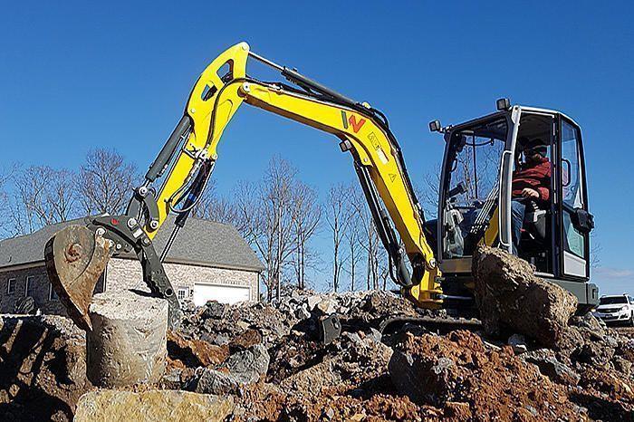 Excavadora Con Giro Cero Sobre Orugas EZ36