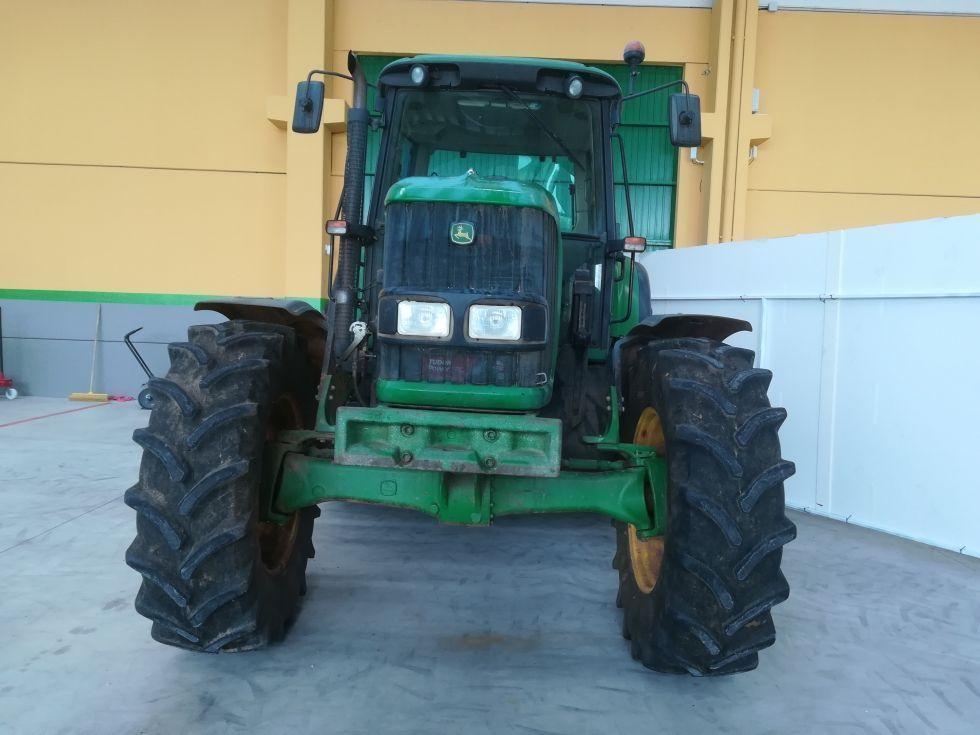 Tractor doble traccion