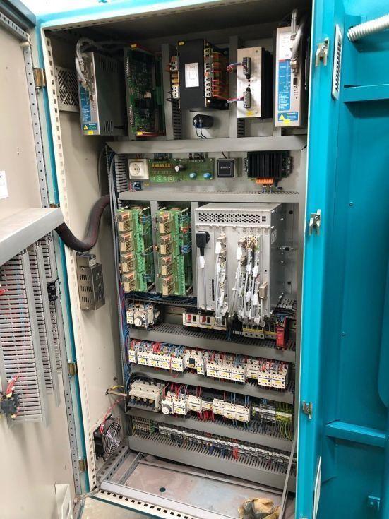 Plegadora ADIRA de 3050 x 175 Tn de 4 ejes + mesa compensacion