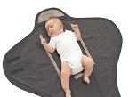 La manta saco de Asalvo envuelve completamente al bebé y conservar el calor en el interior. Se puede usar tanto en la cuna como en el cochecito.