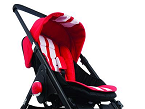 Mini, de Easywalker (distribuido por El Bebé Aventurero), cuenta con los diseños icónicos de la marca automovilística MINI y se puede utilizar desde el nacimiento. Se puede personalizar el coche de paseo.