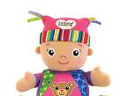 Maisie, de Lamaze (Tomy) es una muñeca con colores brillantes y diferentes texturas. La muñeca ayudar a estimular la visión, el tacto y el oído del bebé.