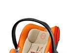 Aton Q, de Cybex-Millenium Baby es una silla auto con reposacabezas regulable en ocho posiciones y con arnés integrado. Cuenta con protección lateral especial. La posición prácticamente horizontal es recomendable para evitar problemas respiratorios.