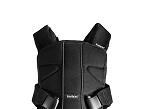 La mochila portabebé One, de Babybjörne (Independent Marketing), permite llevar al pequeño delante y detrás con cuatro maneras diferentes. Se puede utilizar desde recién nacido hasta los 3 años de edad, con un diseño ergonómico.
