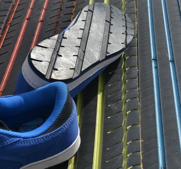 305b79ca Suelas de zapatos a partir de ruedas recicladas - Plástico
