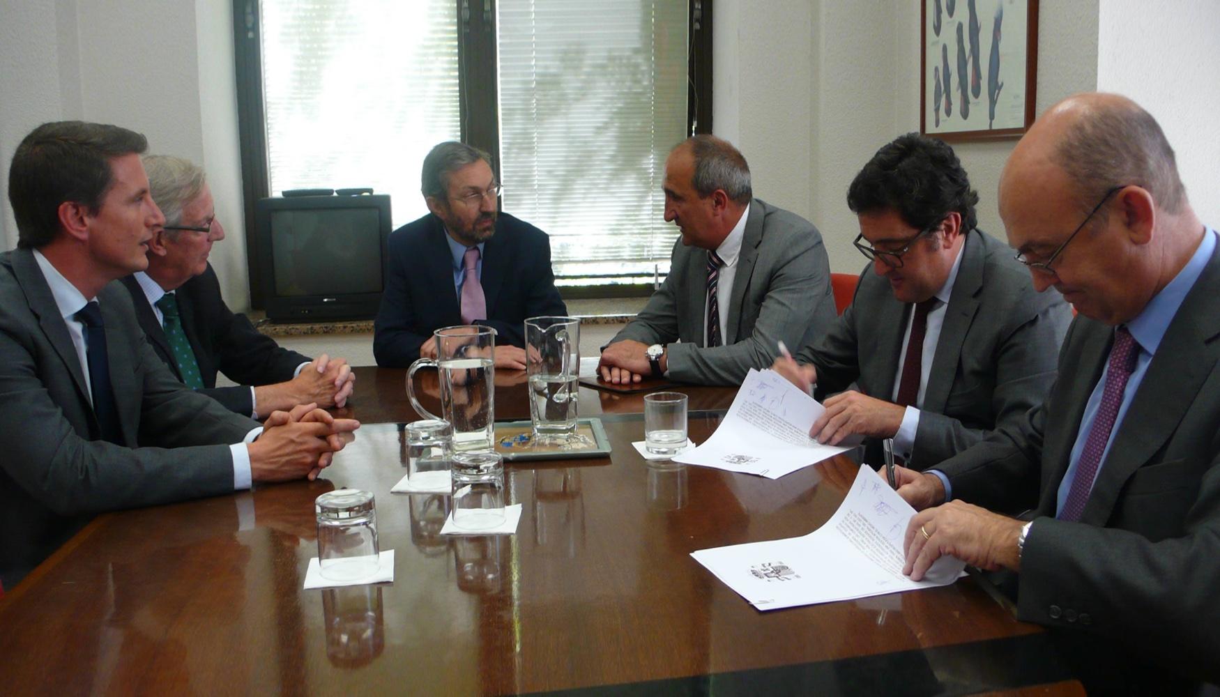 Los gestores de residuos peligrosos firman un acuerdo con la oficina espa ola de cambio - Oficina espanola de cambio climatico ...