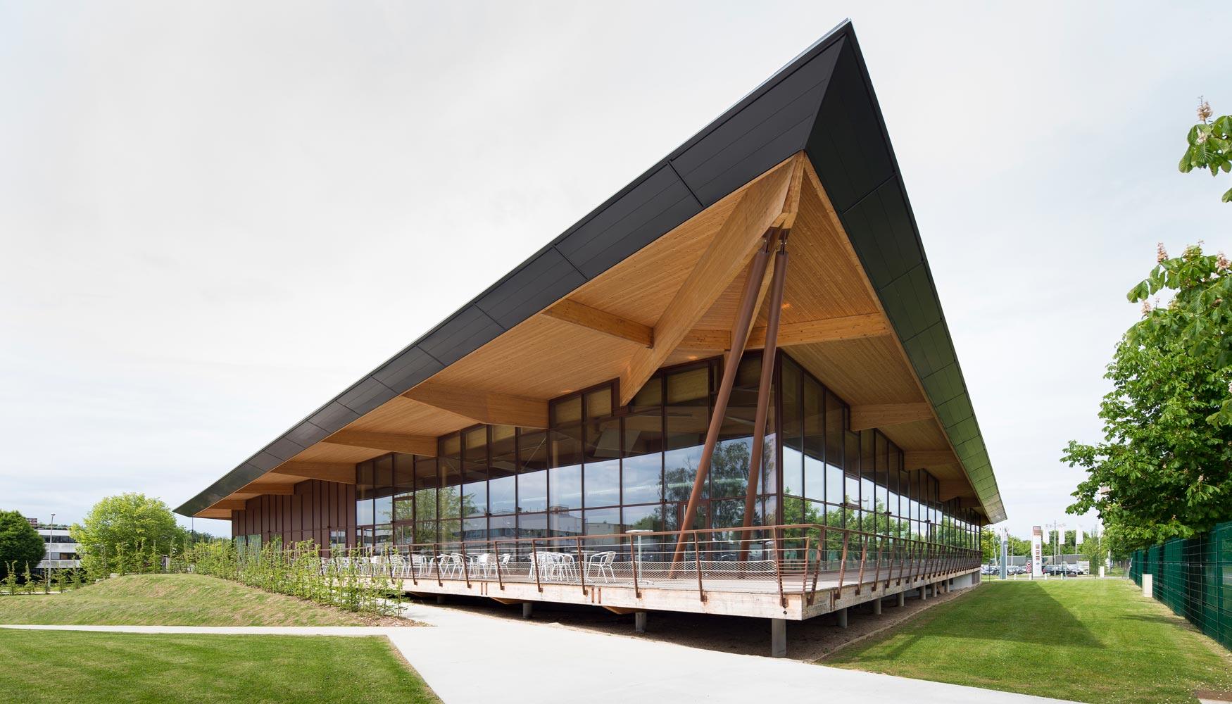 Arquitectura de vanguardia con vistas panor micas for Restaurante arquitectura