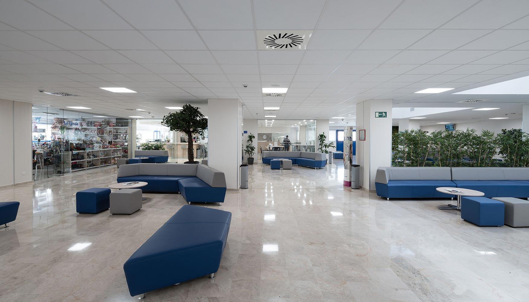 Hospital hm puerta del sur un centro vanguardista con m2 de techos armstrong construcci n - Hospital puerta del sur telefono gratuito ...
