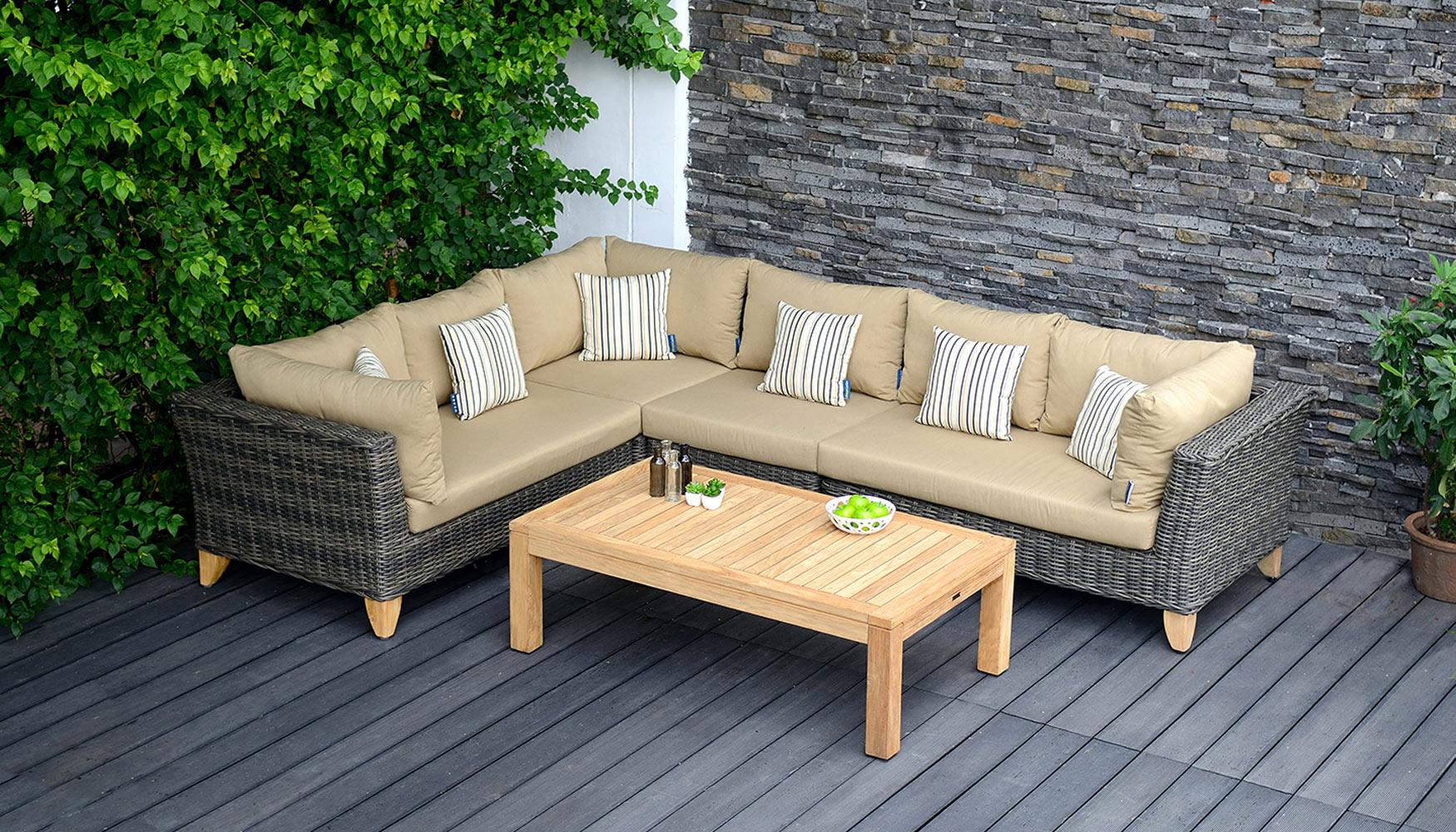 A disfrutar del exterior con bauhaus ferreter a for Sofas para jardines exteriores