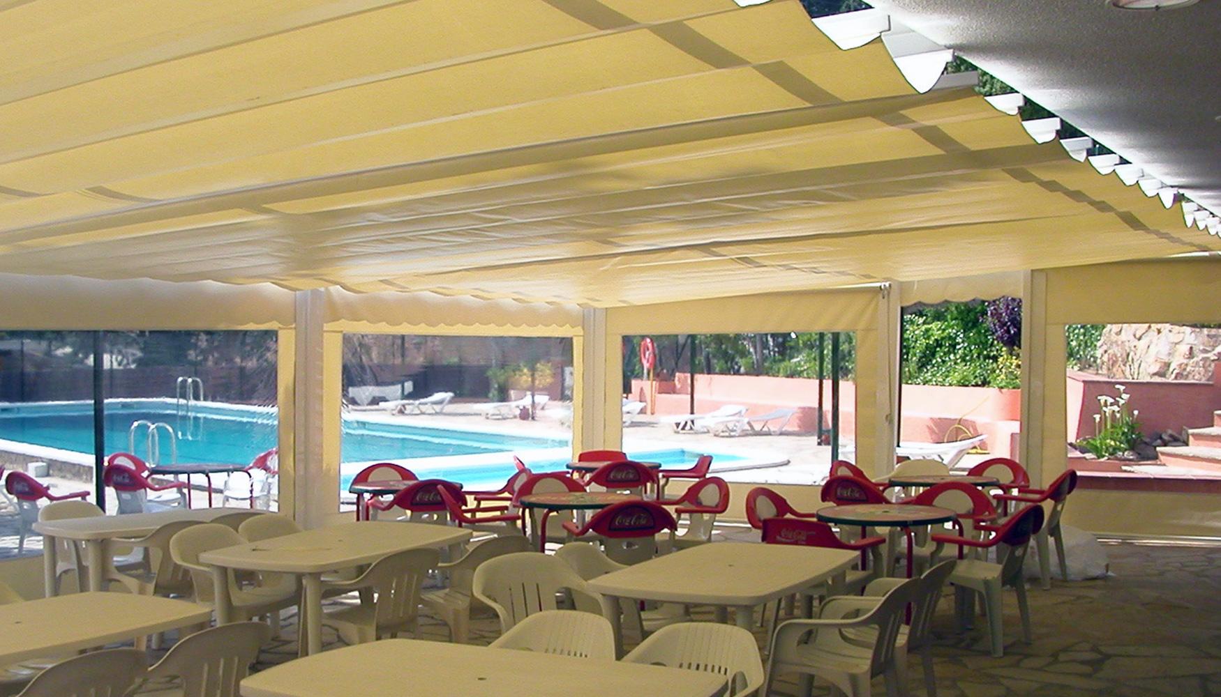 Toldos y parasoles de novelty para terrazas protecci n solar for Toldos y parasoles