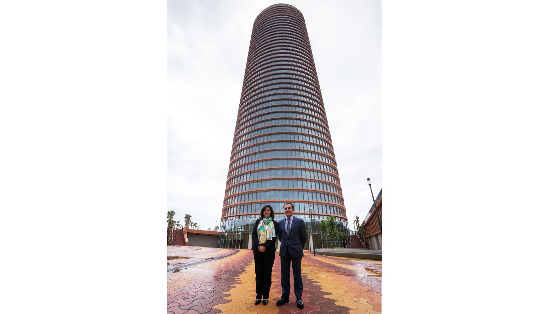 Siemens convierte la torre sevilla de caixabank en el for Oficina endesa sevilla