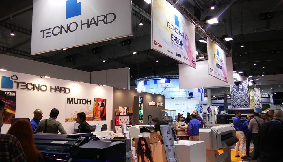 Tecnohard satisfecha tras su paso por graphispag 2017 industria gr fica - Oficina virtual industria ...
