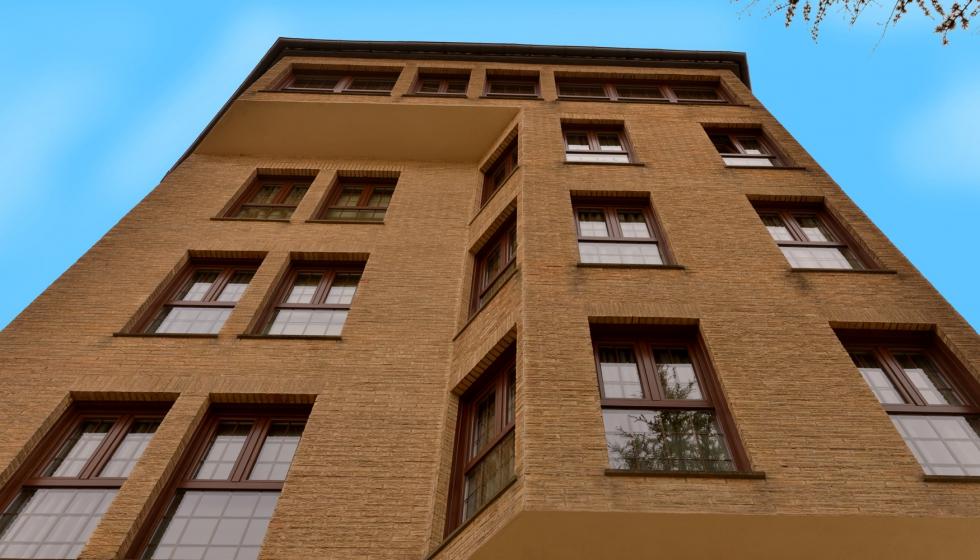 El hotel pamplona catedral instala las ventanas rehau para un mayor ahorro energ tico - Pamplona centro historico ...