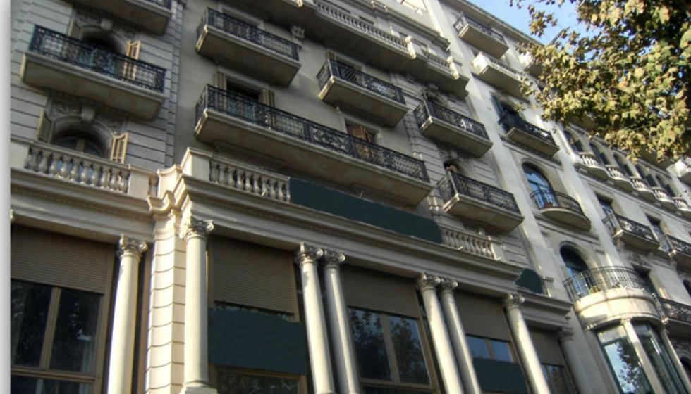 Tasinsa asesora a asphen europe en el alquiler de una for Oficinas de dhl en barcelona
