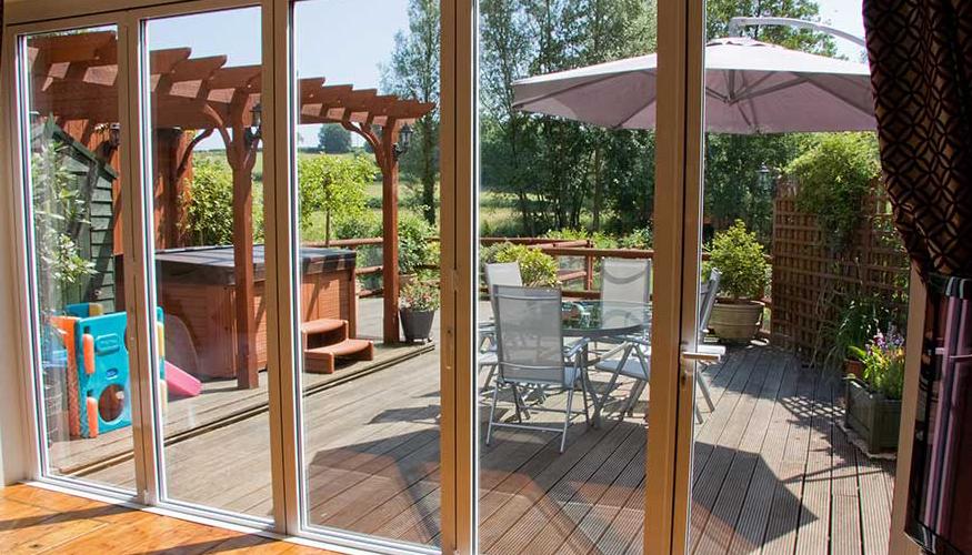Sistemas de puertas plegables de aluminio para grandes - Puertas terraza aluminio ...