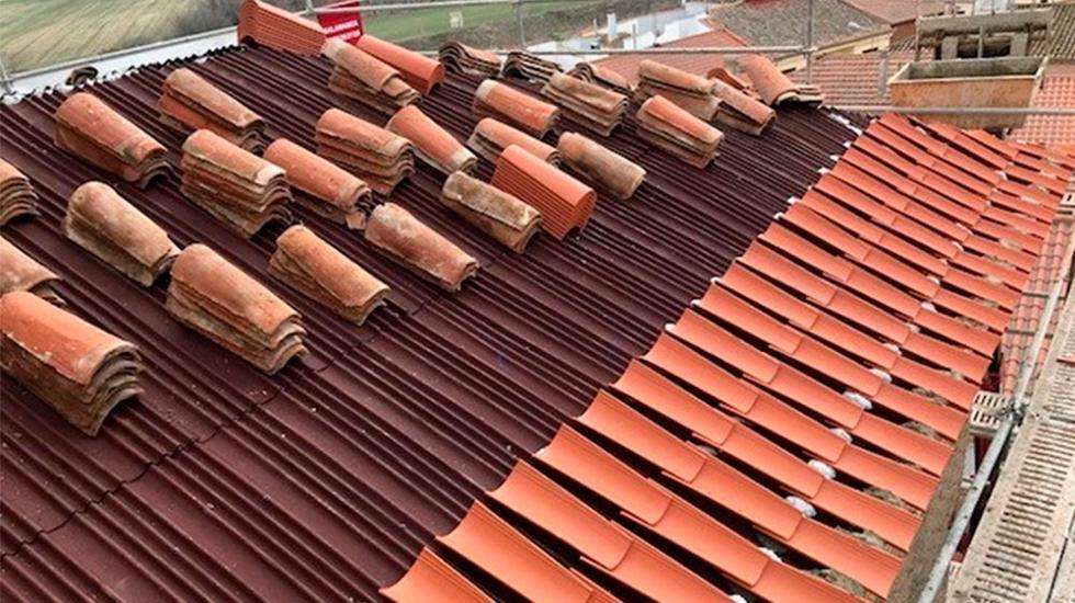 El sistema onduline bajo teja drs protege la hist rica for Tejado madera onduline