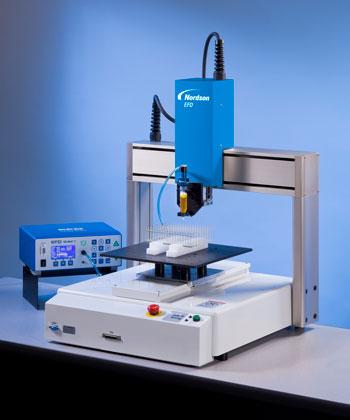 Robots dispensadores de sobremesa para incrementar el rendimiento y reducir los costes de producción