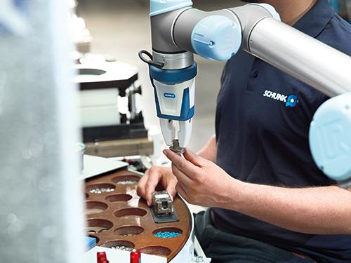 Primera pinza industrial certificada para el funcionamiento colaborativo humanos-robots