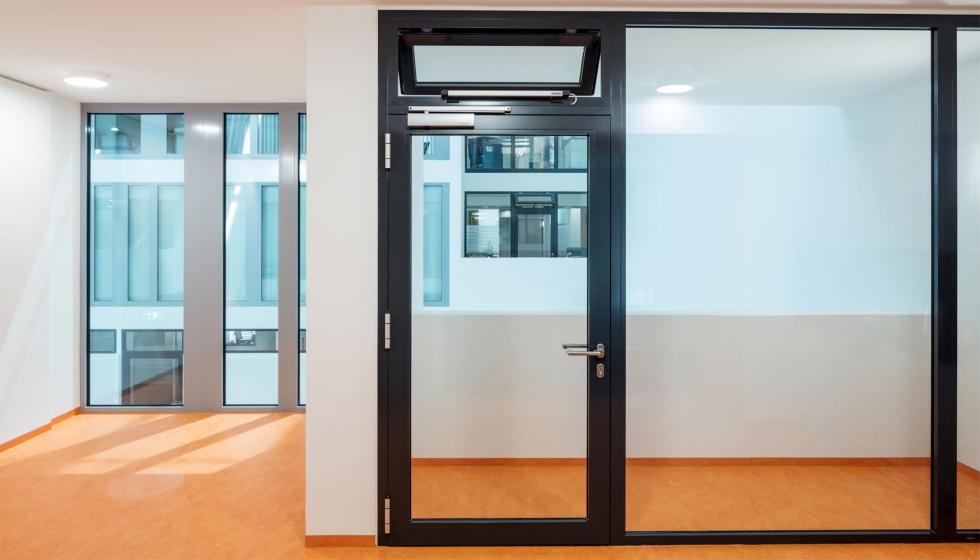 geze ts 5000 ecline el cierrapuertas ideal para espacios sin barreras arquitect nicas. Black Bedroom Furniture Sets. Home Design Ideas