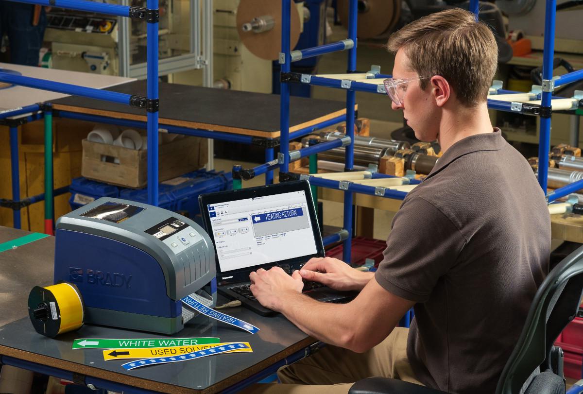 ¿Busca una impresora de etiquetas para instalaciones y seguridad que sea realmente práctica e inteligente?