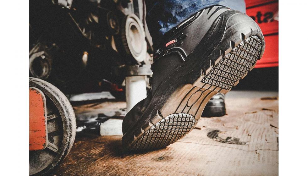 22d28411 Es necesario buscar el calzado de trabajo adecuado que ayude a mejorar la  salud podal y bienestar laboral. Existen afecciones comunes en los pies ...