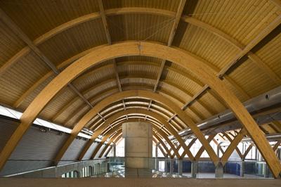 La madera protagoniza la ampliaci n de la emblem tica - Estructuras de madera laminada ...