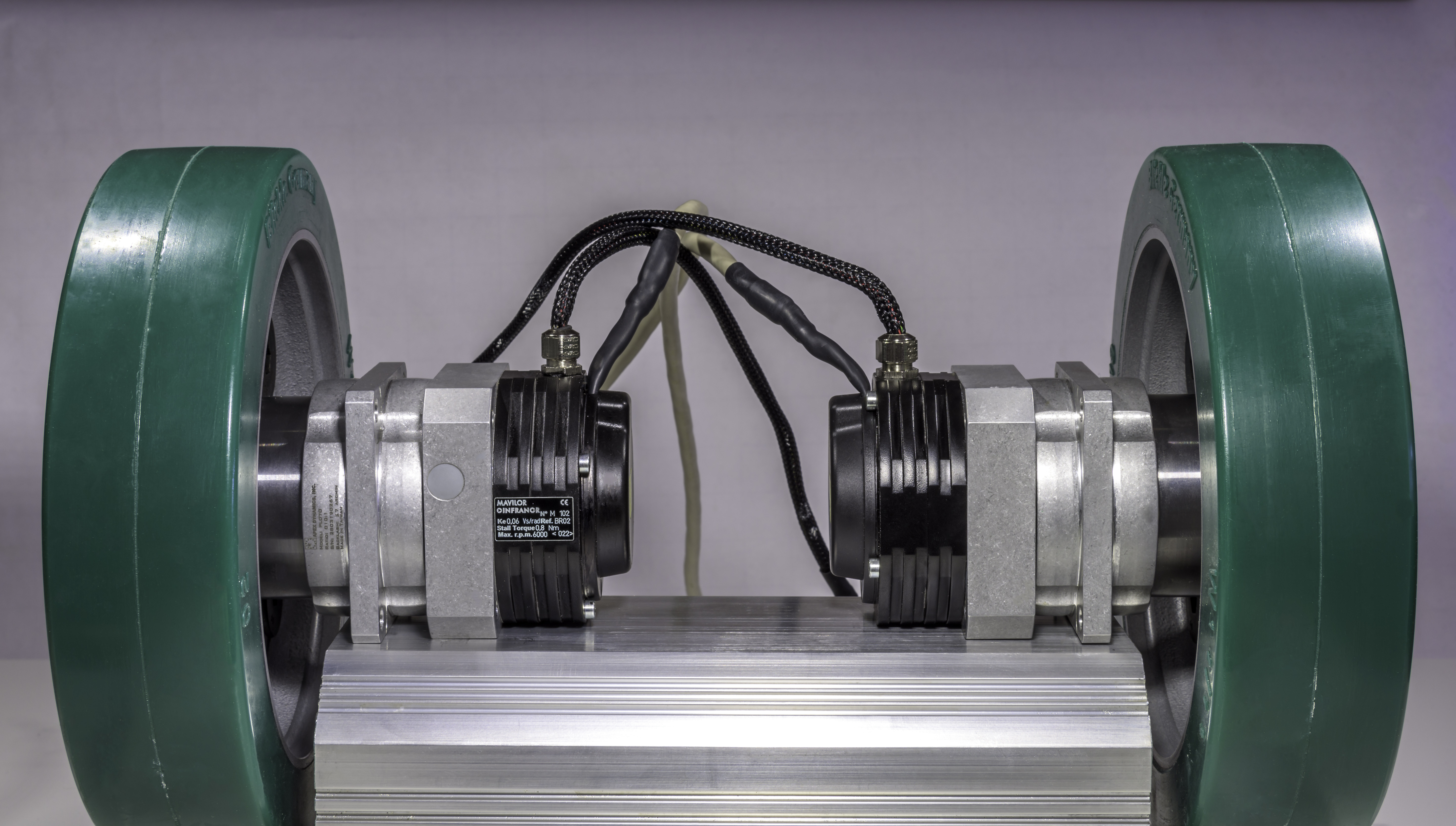 Motores brushless planos y ligeros con una alta relación par/peso Gama XtraforsBR™ de Mavilor®