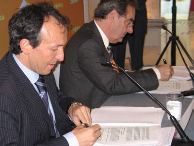Abertis log stica i ceva logistics signen un acord de for Oficina de treball renovacio