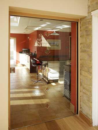 Vidrio de murano en las puertas de eclisse cerramientos for Puertas interiores de vidrio para casas