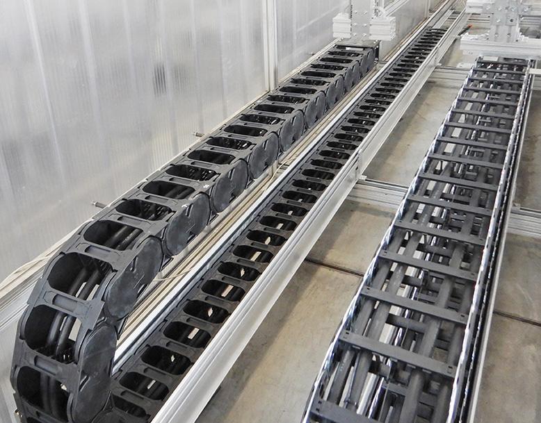 La revolución en el montaje de cadenas: Ahorre un 40% de tiempo de montaje con la cadena portacables E4Q de igus