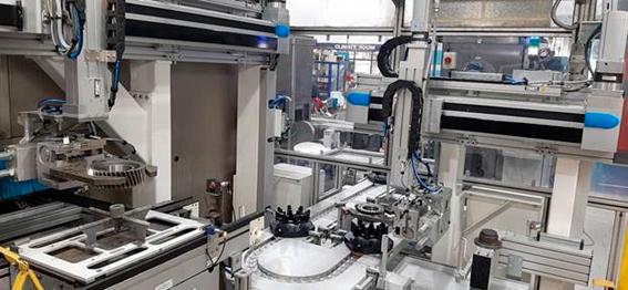Solución para agregar una nueva operación a una célula robotizada existente