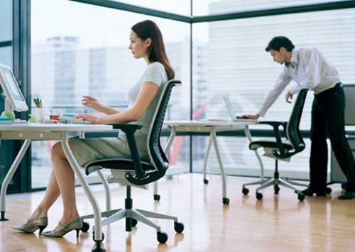 Think una silla inteligente y consciente for Sillas para una buena postura