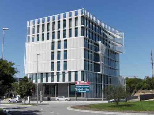 Edificio cliensor oficinas a cuatro vientos en sant cugat for Catalana occidente oficinas