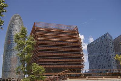 La cmt inaugura su sede definitiva en barcelona oficinas for Vodafone oficinas barcelona