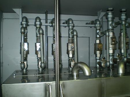 Cabinas dosificadoras de plastificantes con entradas desde 1 a 8 tipos diferentes de plastificantes.