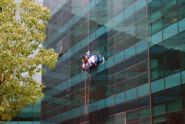Ipc high rise para una limpieza de altura limpieza for Aparato para limpiar cristales