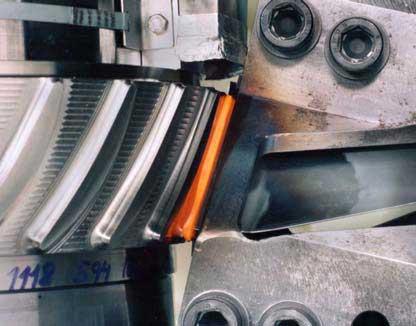 La soldadura por fricción en componentes aeronáuticos - Deformación metálica y chapa