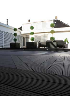 The technological platform for outside upm profi deck of for Muebles gabarro barcelona