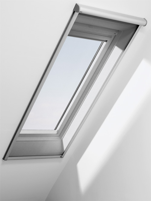 nueva mosquitera para ventanas de tejado velux cerramientos y ventanas. Black Bedroom Furniture Sets. Home Design Ideas