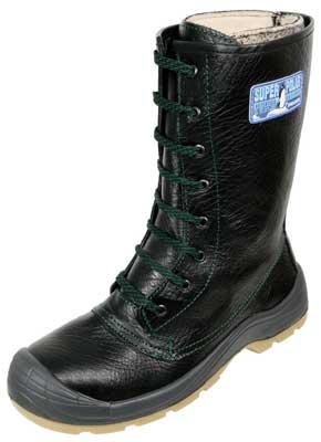 2361dcd367b Estas botas están diseñadas para caminar con seguridad sobre hielo y  escarcha.