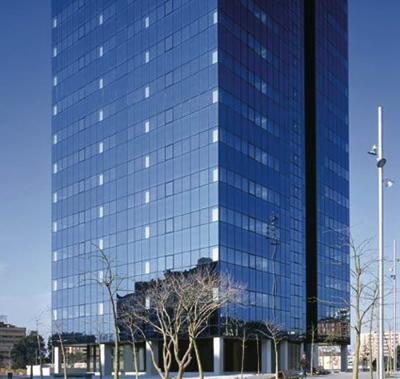 Fujitsu se instala en la torre barcelona de la pla a cerd for Oficinas de dhl en barcelona