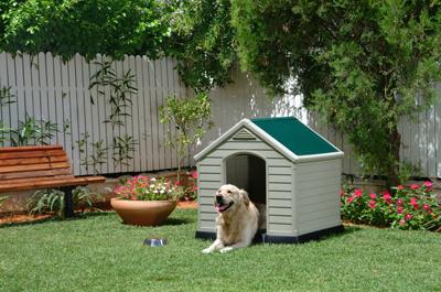 El espacio para las mascotas en el jard n jardiner a - Casetas para el jardin ...