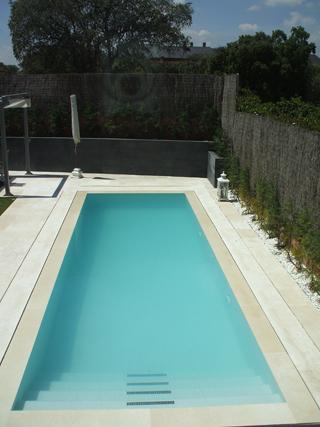 Microcemento y corian para perfeccionar el acabado de - Microcemento para piscinas ...